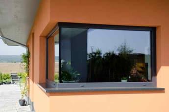 Glanzglas-Eckfenster